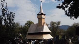 Holzkirche1-2